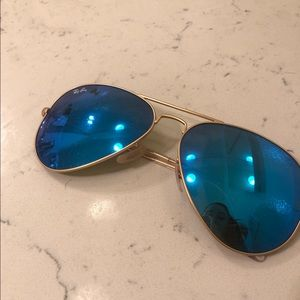 Blue reflective Aviator Ray Bans